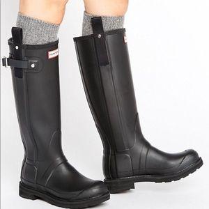 Black pull tab Hunter Boots